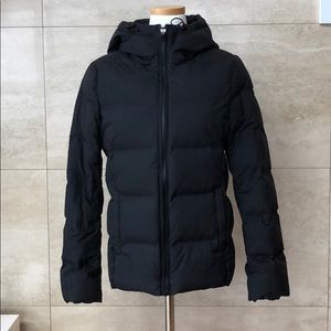 Uniqlo Puffer w/ Hood / Black